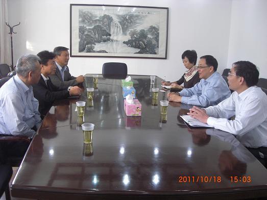 能率新老两任领导班子专程拜访奉贤区经济委员会和金汇镇人民政府主要领导